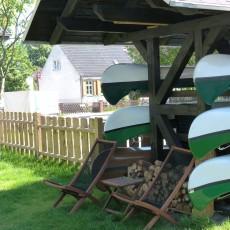 Kanuport im Garten